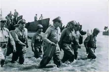 Douglas MacArthur returns